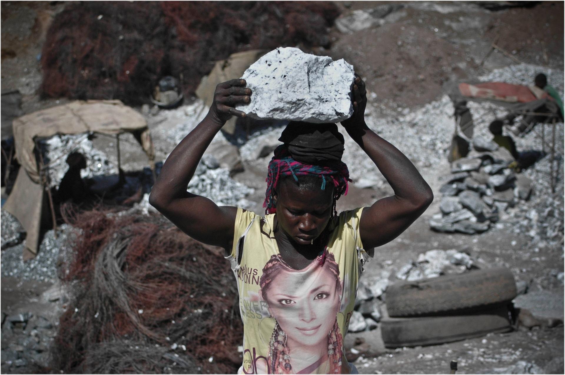 Carrière de granit au Burkina-Faso, de Mohamed_Ouedraogo